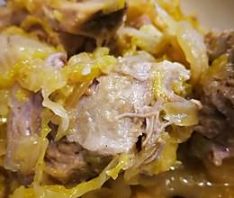 东北酸菜排骨的做法