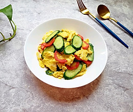 红萝卜黄瓜炒鸡蛋#花10分钟,做一道菜!#的做法