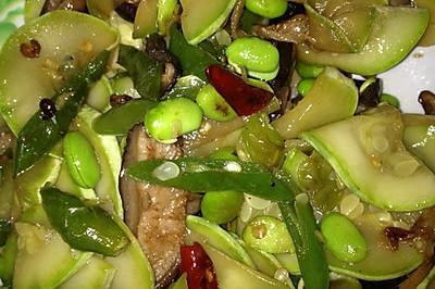 香菇笋瓜炒豆粒