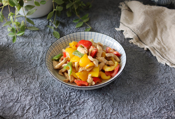轻食低卡甜椒炒鸡胸肉的做法