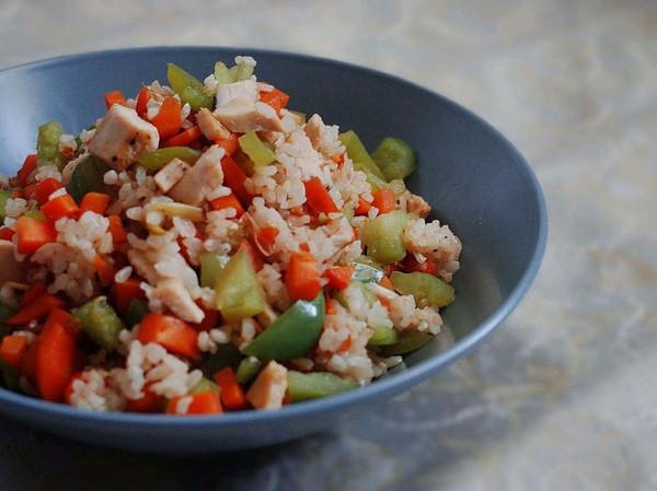 低脂糙米杂蔬炒饭的做法