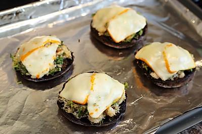 曼步厨房 - 蟹肉焗蘑菇盏