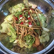 干锅茶树菇包菜