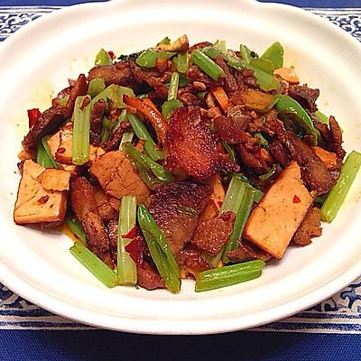 芹菜香干肉片