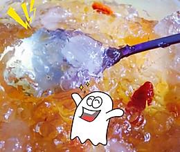 桃胶皂角米炖冰糖的做法
