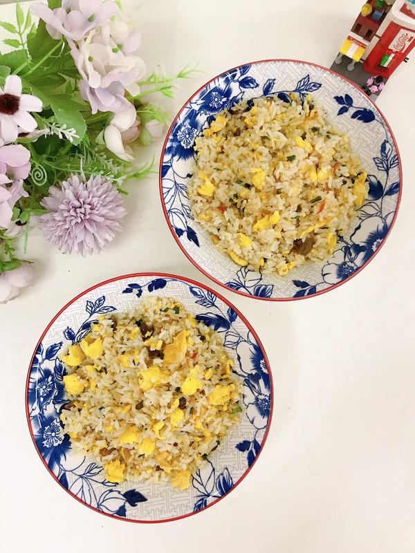 酸菜蛋炒饭的做法