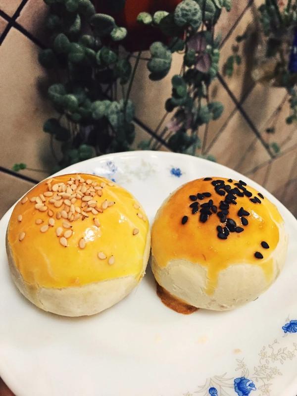 蛋黄酥—低糖莲蓉(22只)的做法