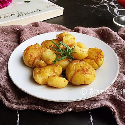 香香的黄油煎滴椒盐小土豆