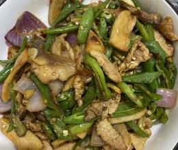 青椒炒猪肉的做法