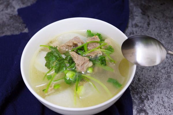 清炖白萝卜羊肉汤的做法