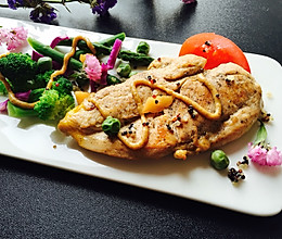 香煎低脂鸡胸肉#春天不减肥,夏天肉堆堆#的做法
