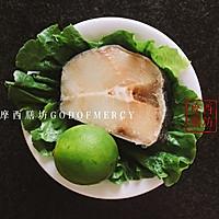 餐桌上的明星海鲜菜:柠香啤酒烤鳕鱼的做法图解2