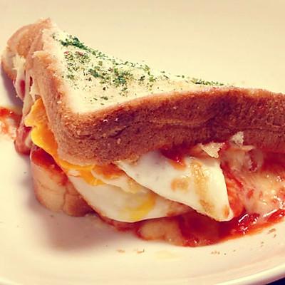 鸡蛋奶酪吐司(快手早餐)124