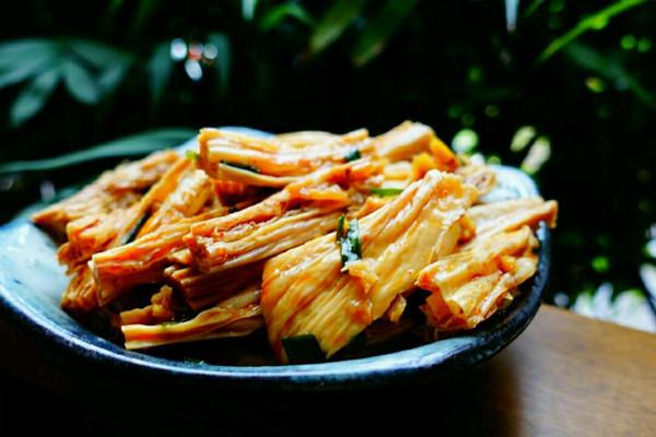 湖南年夜饭必备:凉拌豆笋的做法
