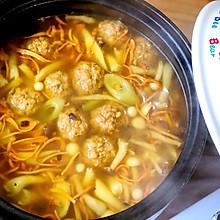 菌菇肉丸汤