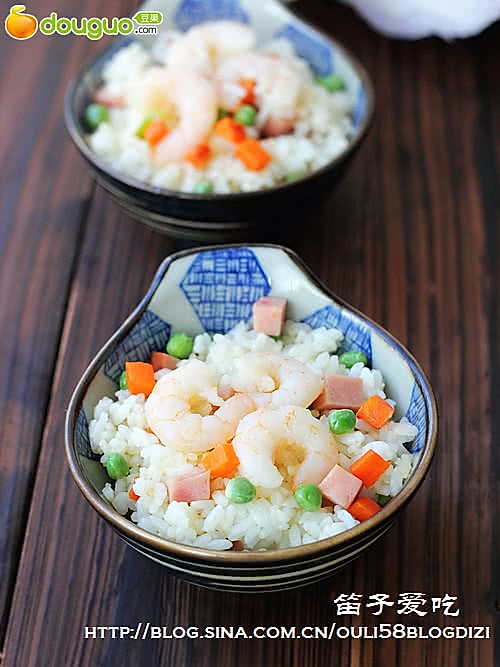 流行混搭:豌豆虾仁炒饭的做法