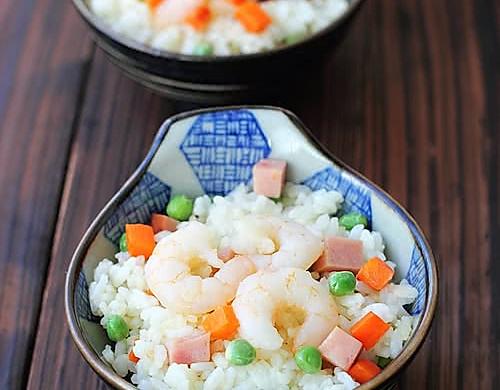 流行混搭:豌豆虾仁炒饭
