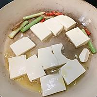 青蒜酱油煎豆腐的做法图解3