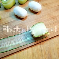 金枪鱼黄瓜寿司的做法图解7