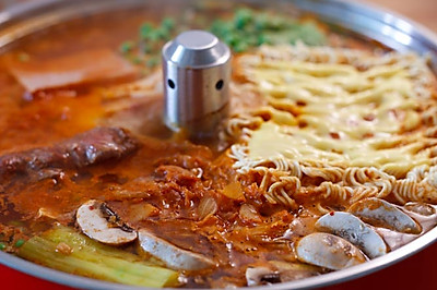 韩式牛肉部队锅