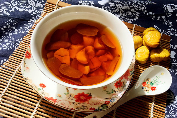 甘美的板栗红枣糖水的做法