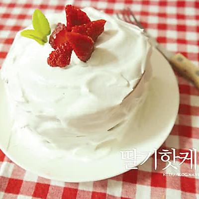 【来自韩国】 无烤箱平底锅草莓蛋糕食谱