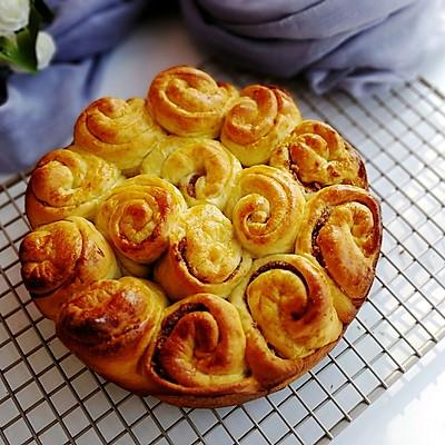 玫瑰花果酱面包