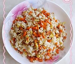 孕妇食谱,宝妈自制简单的鸡蛋炒饭的做法