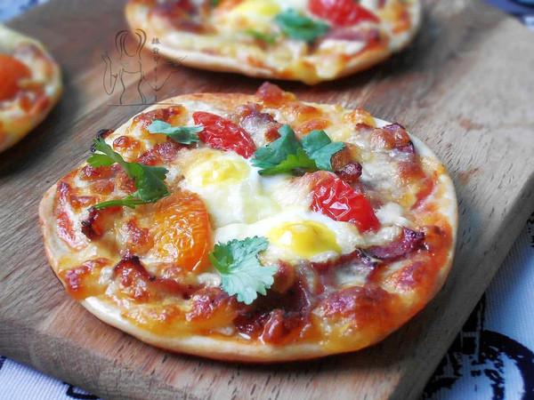 迷你培根鹌鹑蛋披萨的做法
