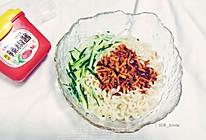 #一勺葱伴侣,成就招牌美味#凉拌面的做法