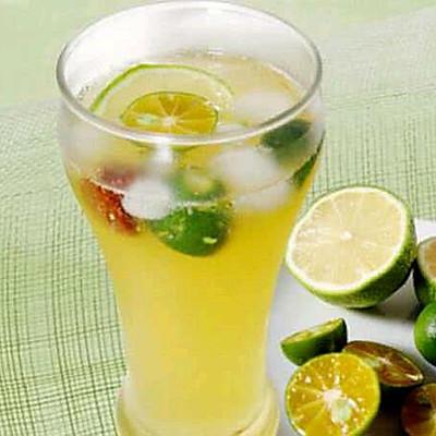 金桔柠檬水果茶
