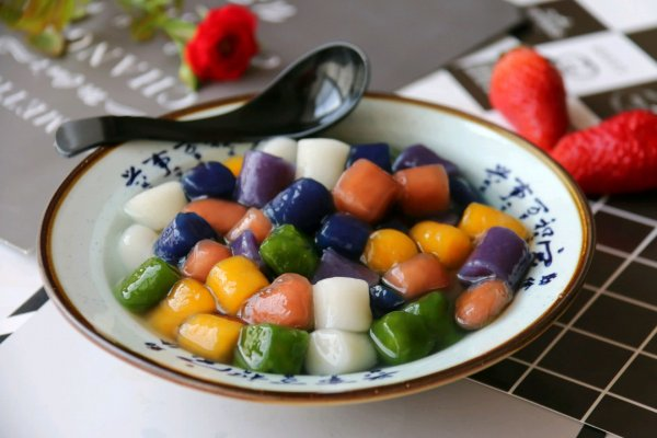 种口味手工芋圆&六种汤底&黑凉粉制作:的做法