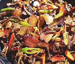 干锅腊肉茶树菇 | 味蕾时光的做法