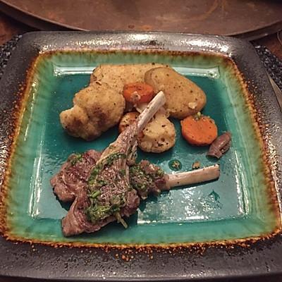 浪漫意式煎羊排-配意式香草酱-搭烤花菜土豆胡萝卜