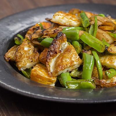 荷包蛋杭椒五花肉,焦嫩下饭味道鲜