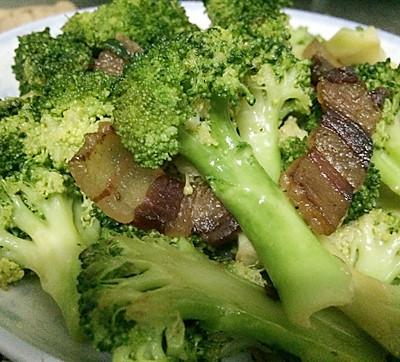 西兰花炒腊肉---营养快手菜,高考菜谱