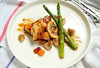 香煎鲽鱼猪肉蛋卷配蒜香蜂蜜汁#一起吃西餐#的做法