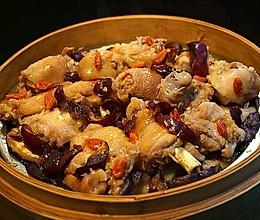 梁家妇女——冬菇红枣蒸鸡的做法