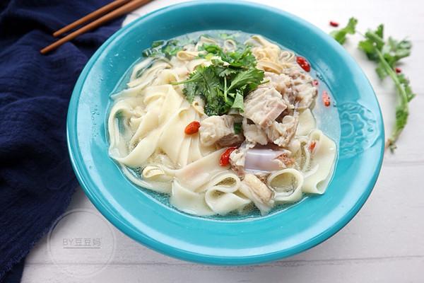 清汤滋补羊肉烩面的做法