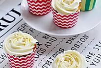 酸奶杯子蛋糕的做法