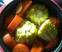 玉米胡萝卜排骨汤(电饭煲版)的做法