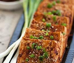"""巧用""""叮叮""""----微波烤豆腐 的做法"""