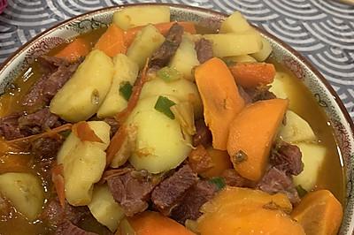 土豆胡萝卜炖牛肉