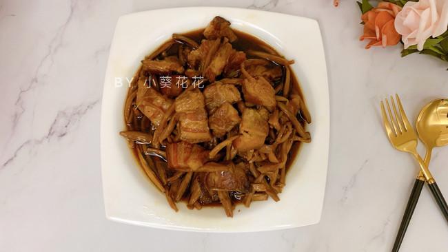 金针菜焖五花肉#硬核菜谱制作人#的做法