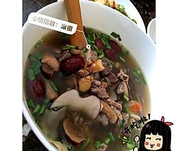 鸽子花胶螺肉椰子汤的做法