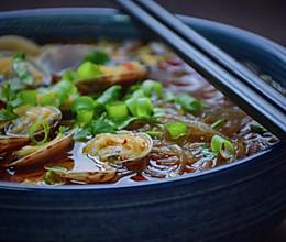 #精品菜谱挑战赛#酸辣花蛤粉的做法