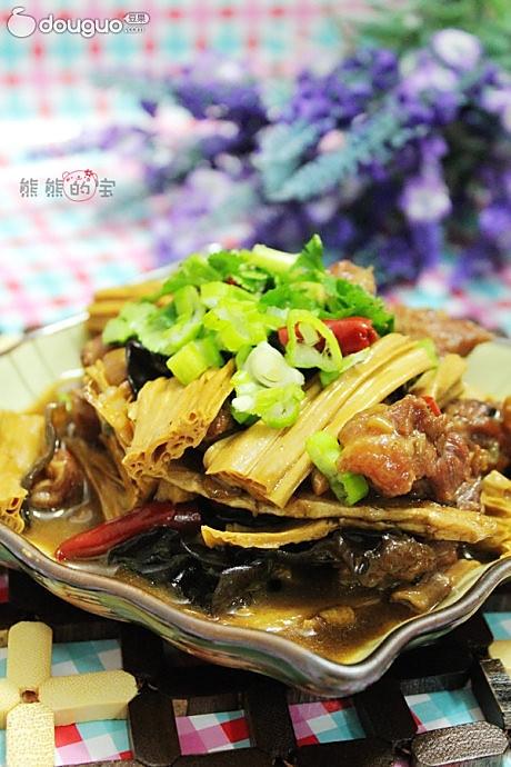 浓香腐竹炖牛腩的做法