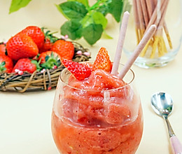 草莓冰沙~冰爽夏日的做法