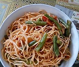 西红柿豆角焖面的做法