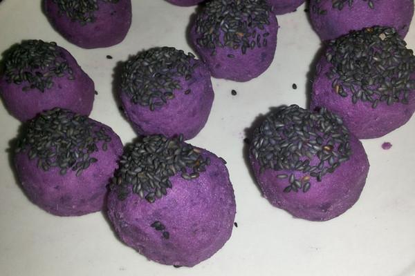 【无面粉版】紫薯芝士芝麻球(新式年夜饭甜点~粗粮哟~)的做法